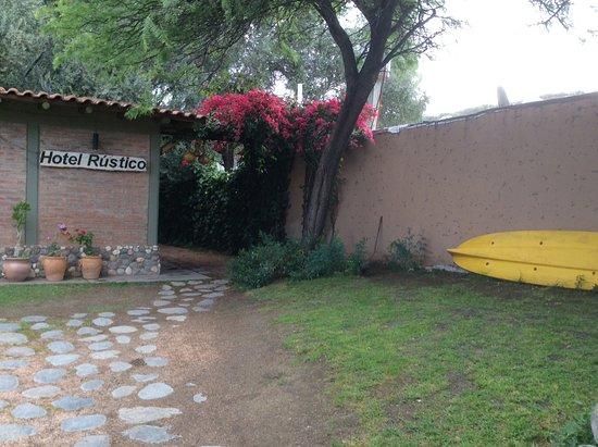 Cerro Del Valle Hotel Rustico: Camino de entrada