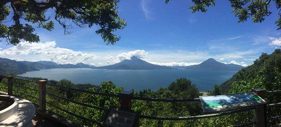 Lake Atitlan, Guatemala: Vue panoramique sur le lac Atitlan