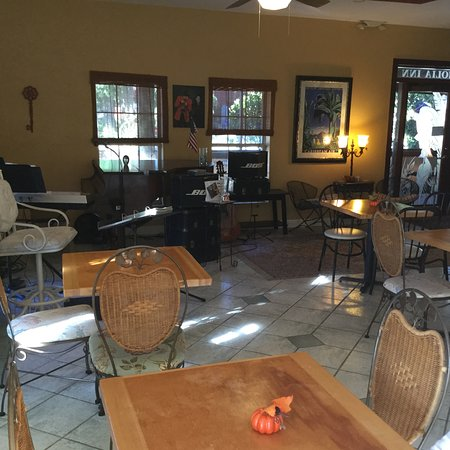 Saint Marks, FL: Breakfast/reception/musicians area