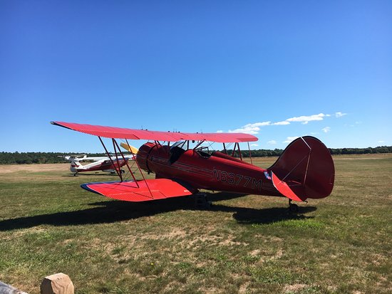 Marstons Mills, MA: The aircraft - also some vintage aircraft dotted around the airfield too.