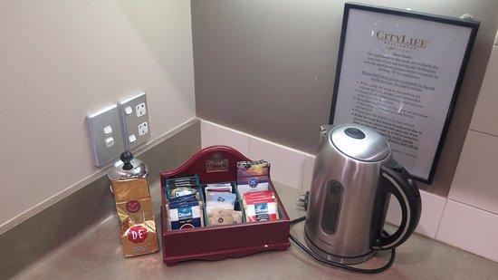 CityLife Wellington: Electric kettle, teas & coffe