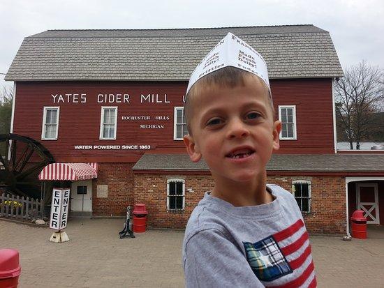 Rochester Hills, MI: Yates Cider Mill