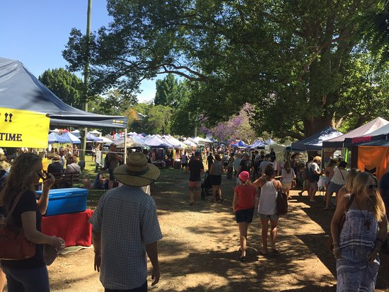 Bellingen, Австралия: Hundreds of stalls