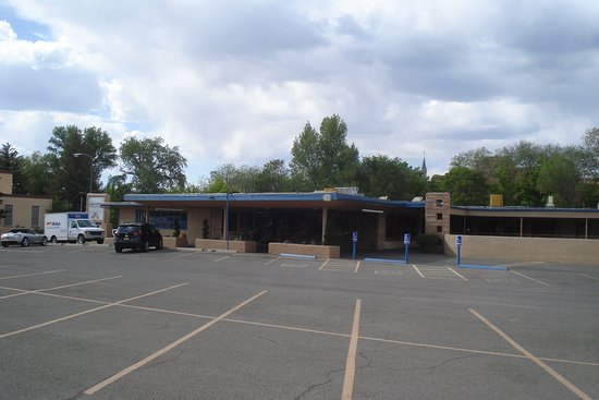 Garrett's Desert Inn Photo