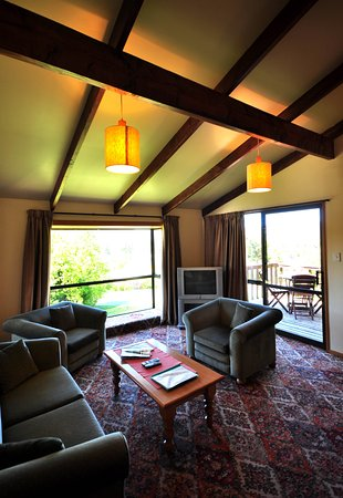 Greenacres Chalets And Apartments: Cozy Lounge in Our Villas