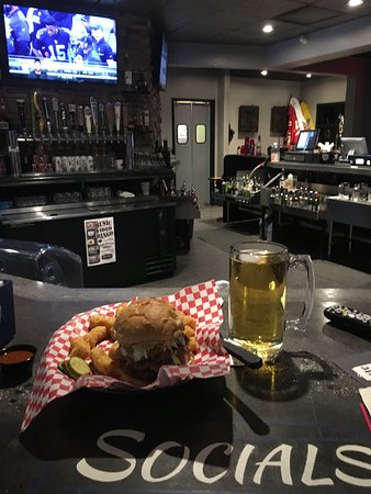 Fergus Falls, MN: Socials Burger