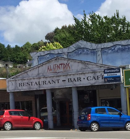 Taihape, Nya Zeeland: View from across the street of the restaurant