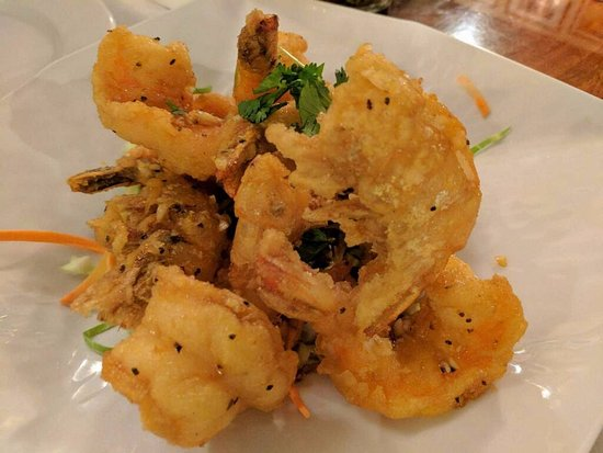 Lotus of Siam: Garlic Prawns is a must try