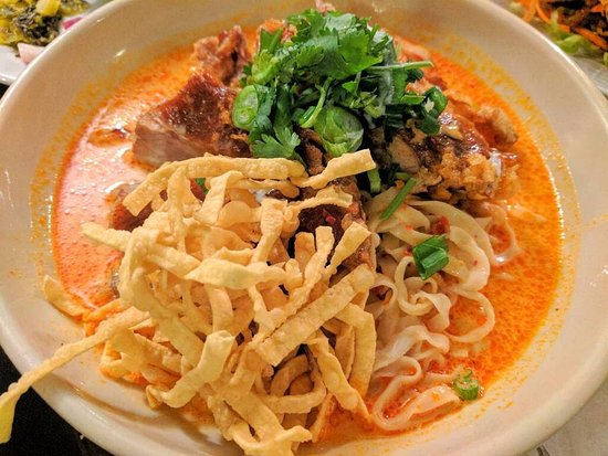 Lotus of Siam: Fried Duck Panang Curry w/ Egg Noodle