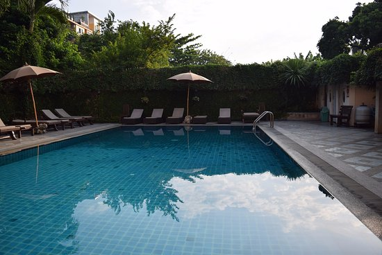 Chiang Mai Gate Hotel: the pool