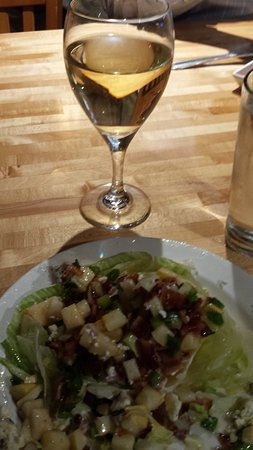Baxter, MN: Wedge salad with Chardonnay