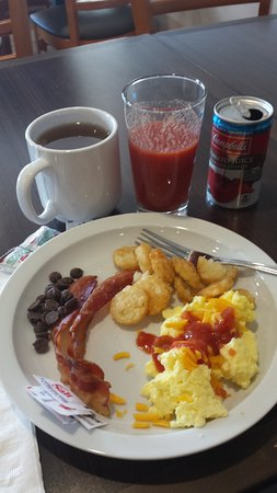 Baxter, MN: Breakfast with REAL dishes! Whoohoo!!!