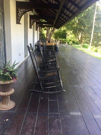Saraphi, Thailand: Parties communes