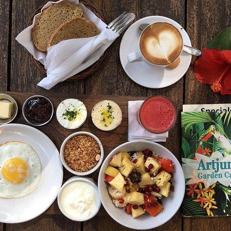 Artjuna special breakfast :) enjoy!