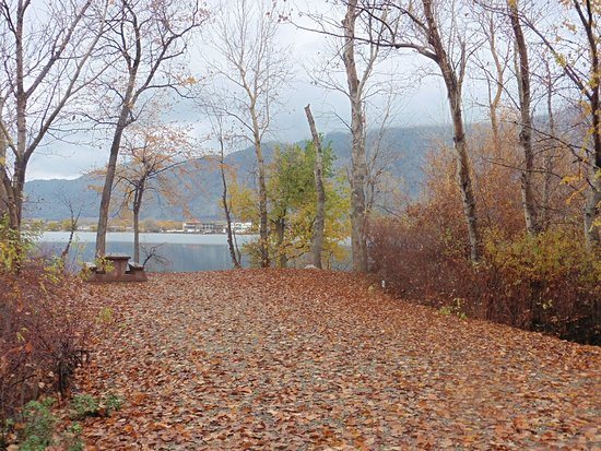 Haynes Point Provincial Park : A stunning fall campsite