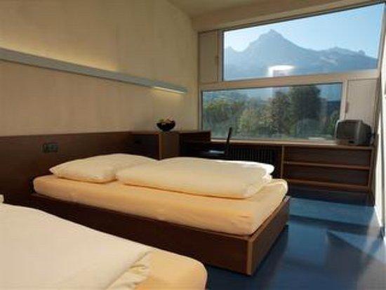 Nafels, Suiza: 16 Doppelzimmer mit Dusche/WC/TV