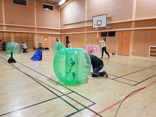 Ludvika, สวีเดน: Ett gäng från ABB HVDC spelade archerytag i Brunnsvikhallen