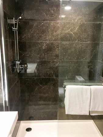 Ac Hotel Minneapolis Downtown Great Shower With Overhead Rain Head And Wand