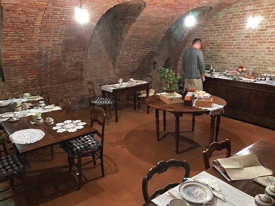 Govone, Italië: Breakfast area