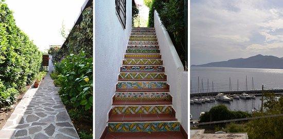 Санта-Марина-Салина, Италия: Ingresso, scale, vista sulla darsena di Santa Marina Salina.