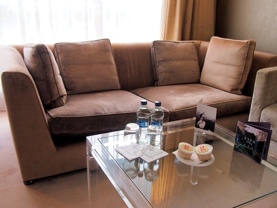 the g Hotel & Spa Galway: In room seating area