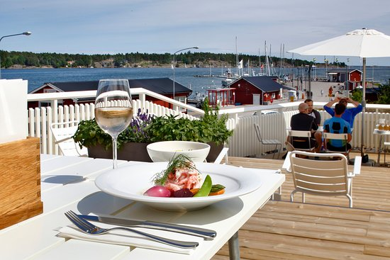 Vikbolandet, Sweden: Lunch at the porch