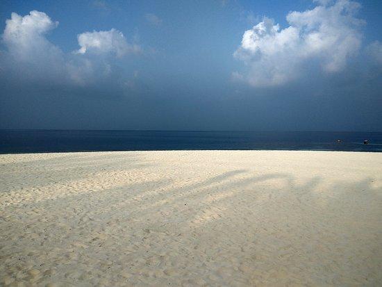 Eriyadu Island Resort: IMG_20161111_164753_HDR_large.jpg