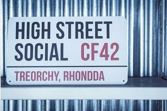 Treorchy, UK: High Street Social