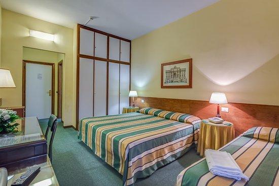 Hotel Giardino d'Europa: Camera tripla - Triple room