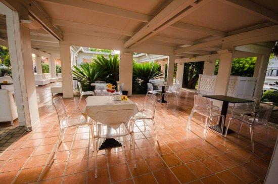 Hotel Giardino d'Europa: Pranzo all'aperto