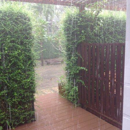 Lipa Noi, تايلاند: November rains a bit .