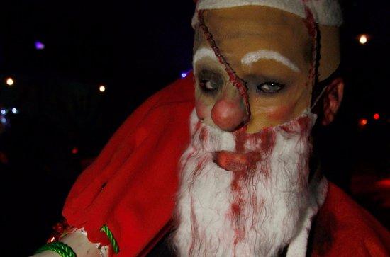 Bottrop, Deutschland: Weihnachtliche Walking Acts