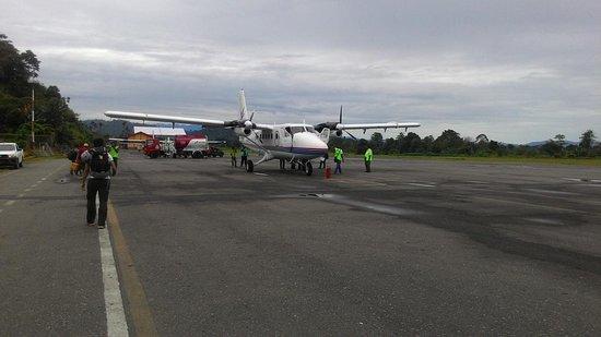 Tembagapura, Indonesia: Flight to Sugafa Village