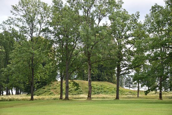 Midgard Historical Centre: Viking grave