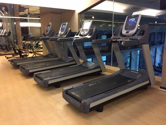 Jiaxing, الصين: Gym 2...