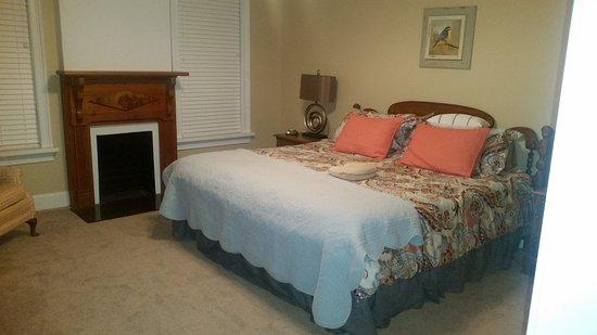 Fitzgerald, GA: Master Bedroom