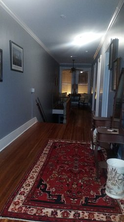 Fitzgerald, جورجيا: Hallway view from master bedroom