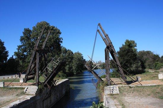 Pont Van-Gogh (Pont de Langlois): Het was best wel even zoeken!