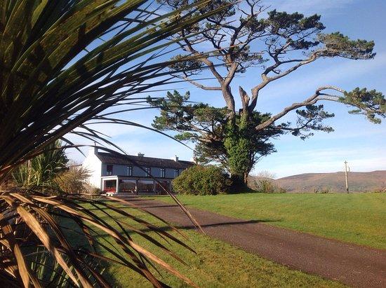 Glencar House: Gartenansicht