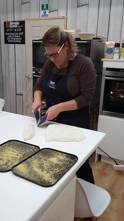 Penrith, UK: Kate shows us how to shape our ciabatta