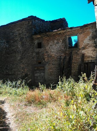 Emilia-Romagna, Italy: ancora case diroccate..