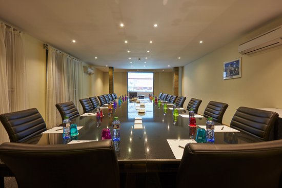 Fairview Hotel: Ultra-Modern Conference room