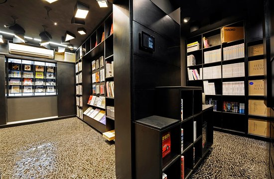 Art & Design Book Store