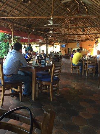 Comedor picture of restaurante la campana managua for Restaurante la campana barcelona