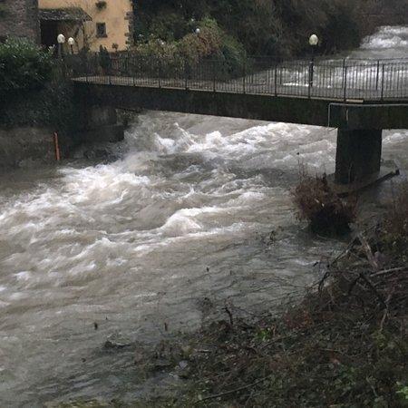 Cantagallo, Italy: ..il Limentra.. in tutta la sua potenza....