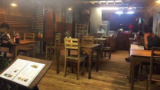 Yam Yam: เปลี่ยนชื้อร้านไหม่
