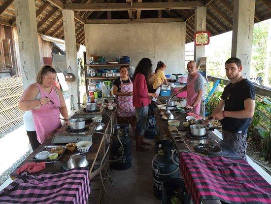 Lamphun, Таиланд: received_970164659685453_large.jpg