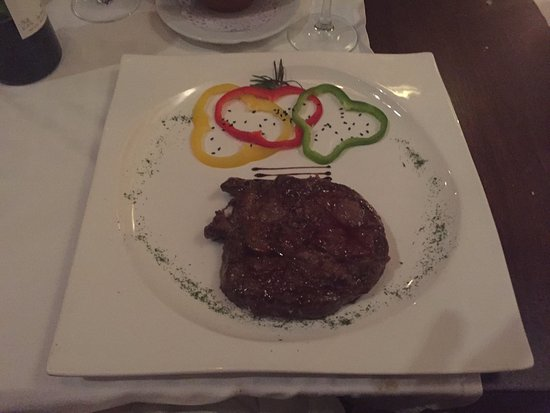 San Luis de Sabinillas, Spain: Argentinian Steak - Yum Yum!