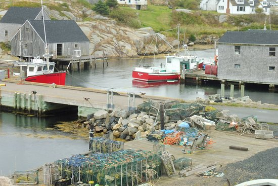 Peggy's Cove, كندا: Peggy's Cove is a working fishing village