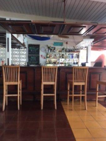 Caribbean Club Bonaire: Bar area
